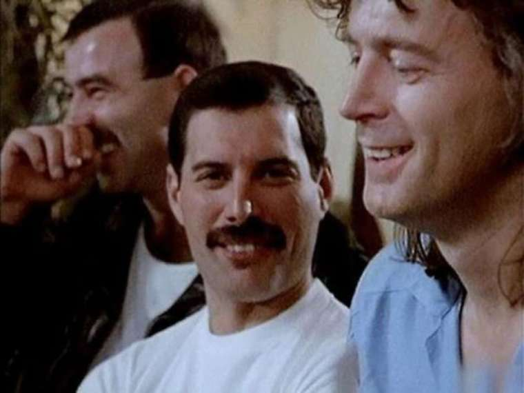 jim-hutton-freddie-mercury-6
