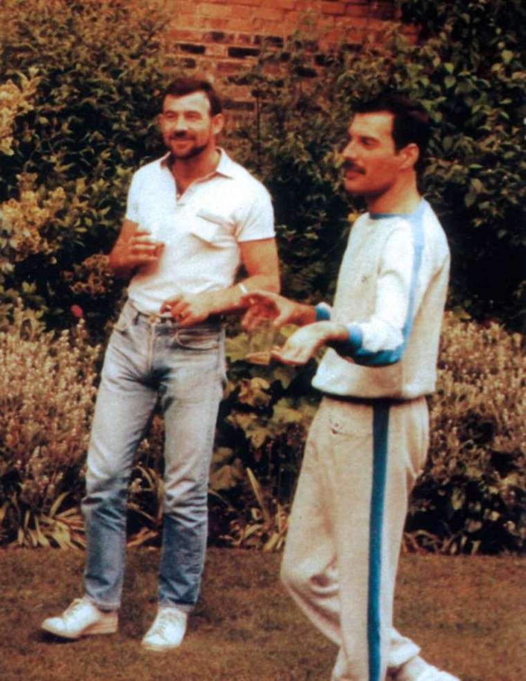 jim-hutton-freddie-mercury-8