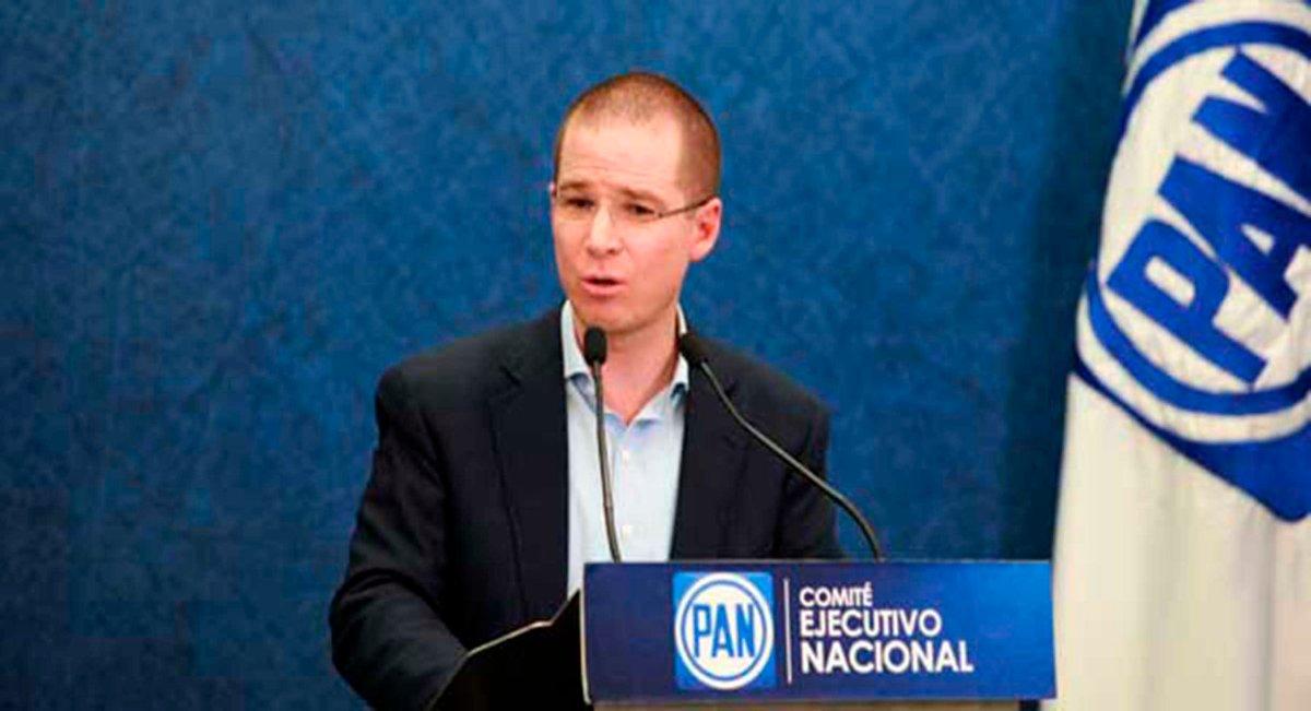 Ricardo Anaya suma a Xóchitl Gálvez como asesora en su campaña.