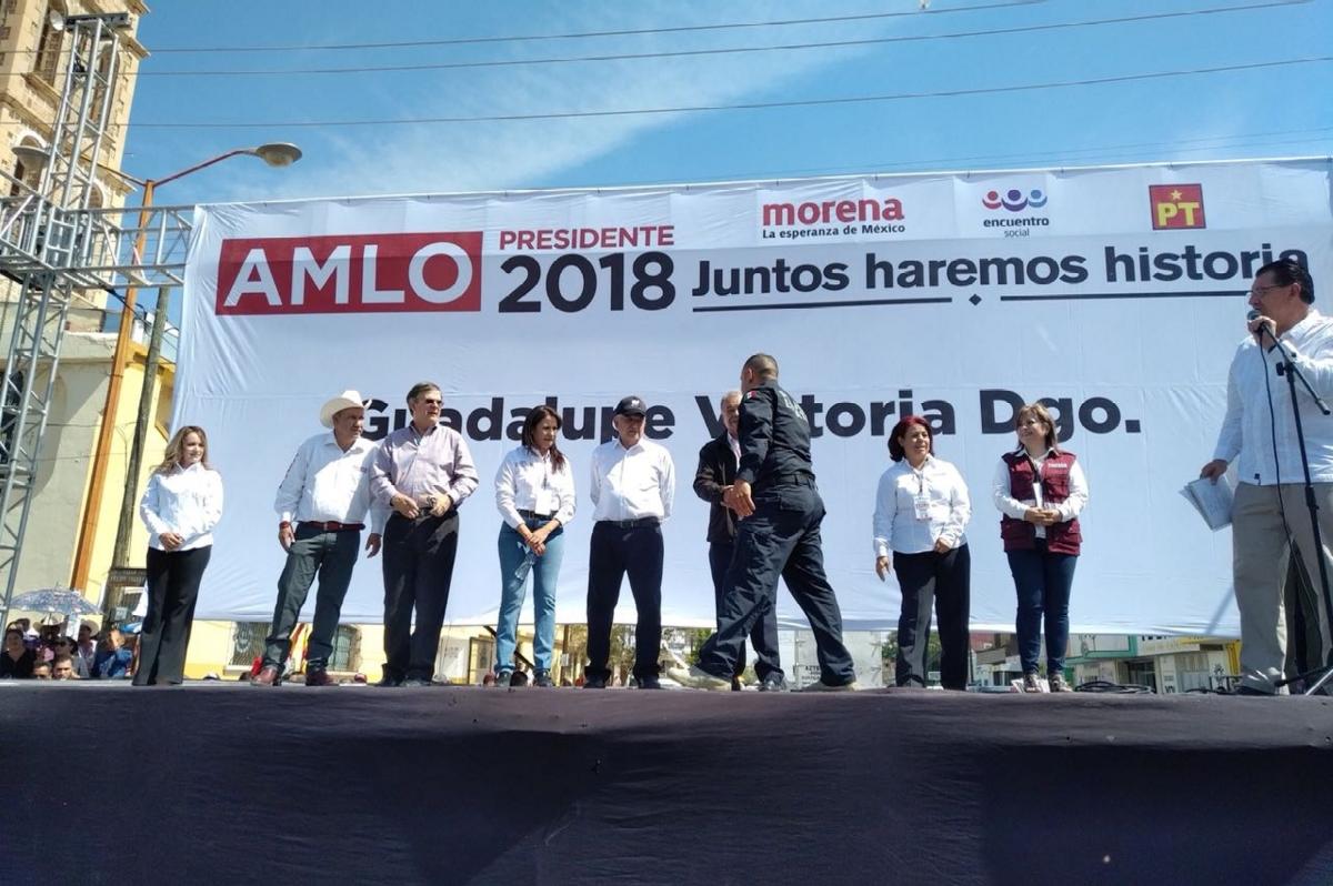 #Elecciones2018 AMLO denuncia que Cinepolis quiere transmitir serie para dañar su imagen