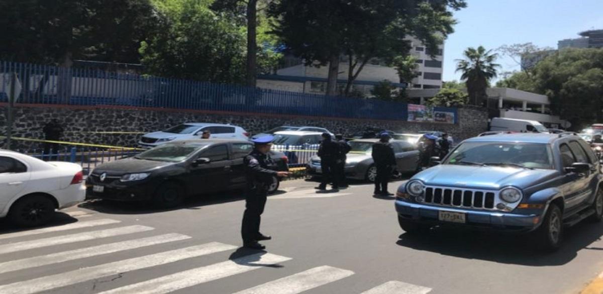 Reportan disparos afuera del Colegio Simón Bolívar en el Pedregal